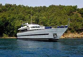 Joy-Lagoon-Motor-Yacht.jpg