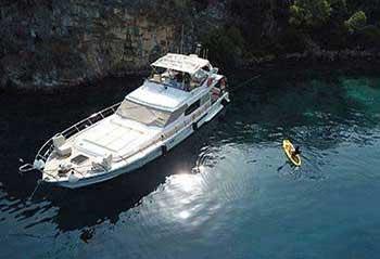 Lagoon-Motoryacht.jpg