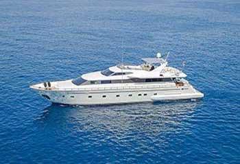 Lucky-Pink-Motor-Yacht.jpg