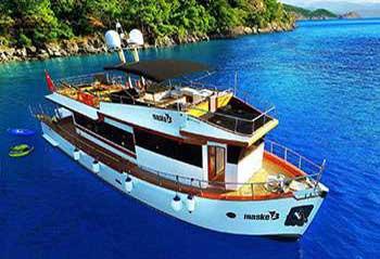 Maske-3-Trawler-Motoryacht.jpg