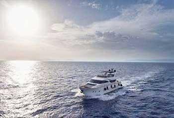 Salty-Motor-Yacht.jpg